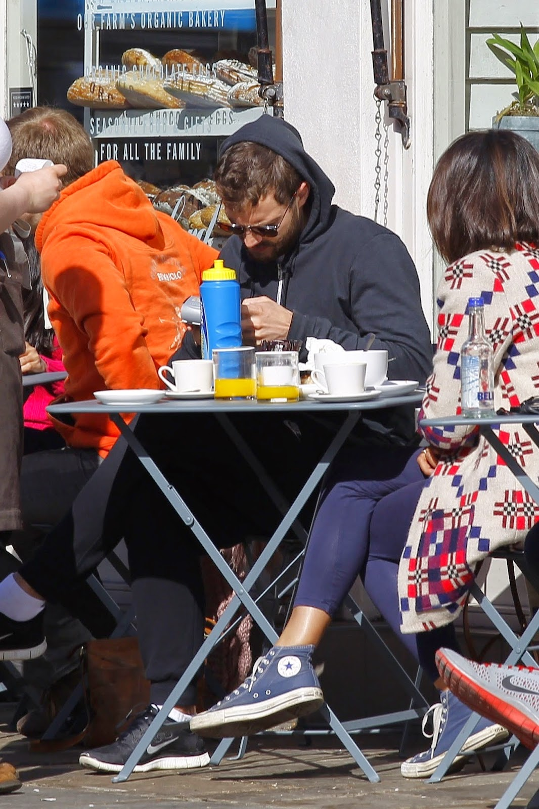 New Pictures of Jamie and Amelia having a breakfast in London -- April 18