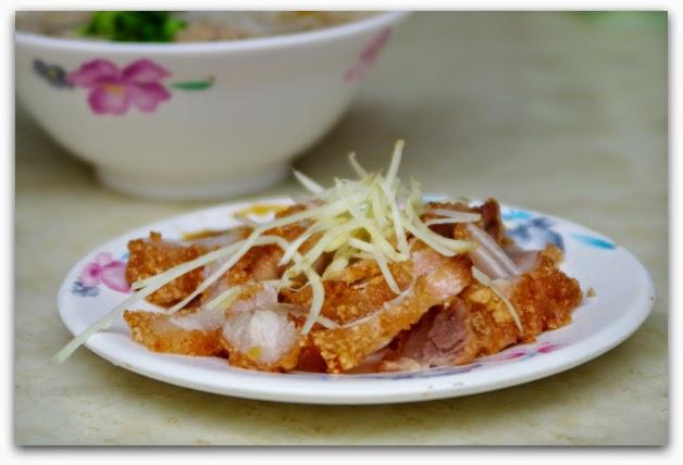大稻埕X迪化街美食:民樂旗魚米粉湯—炸紅燒肉