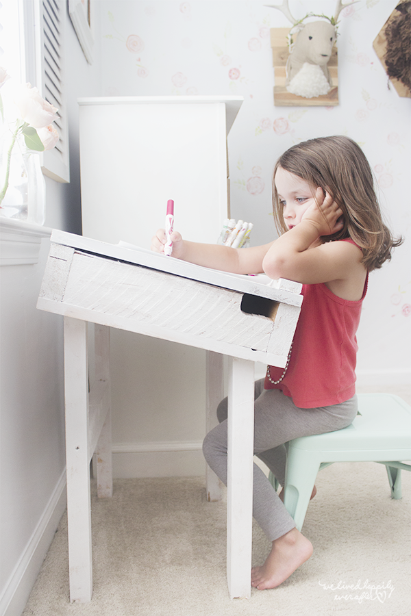 DIY Toddler Shanty Chic Artist Desk